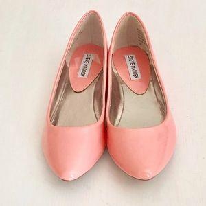 Steve Maddens Hot Pink Shiny Pointed Toe Flats